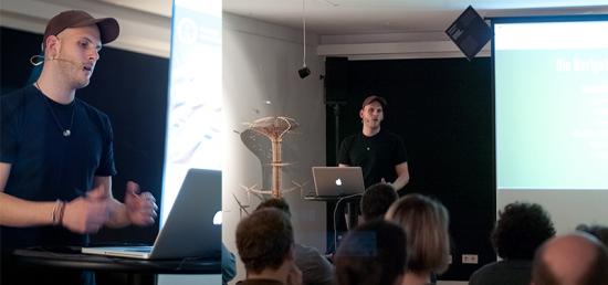 """Jonas Hellwig beim Vortrag zum Thema """"Responsive Webdesign"""" in Bremen"""