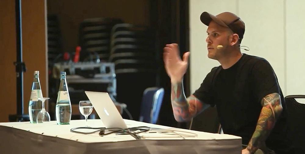 Jonas Hellwig bei einer Inhouse-Schulung auf der Konferenz Webinale 2017 in Berlin